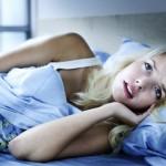 眠るのが怖い!睡眠恐怖症の原因と治療について